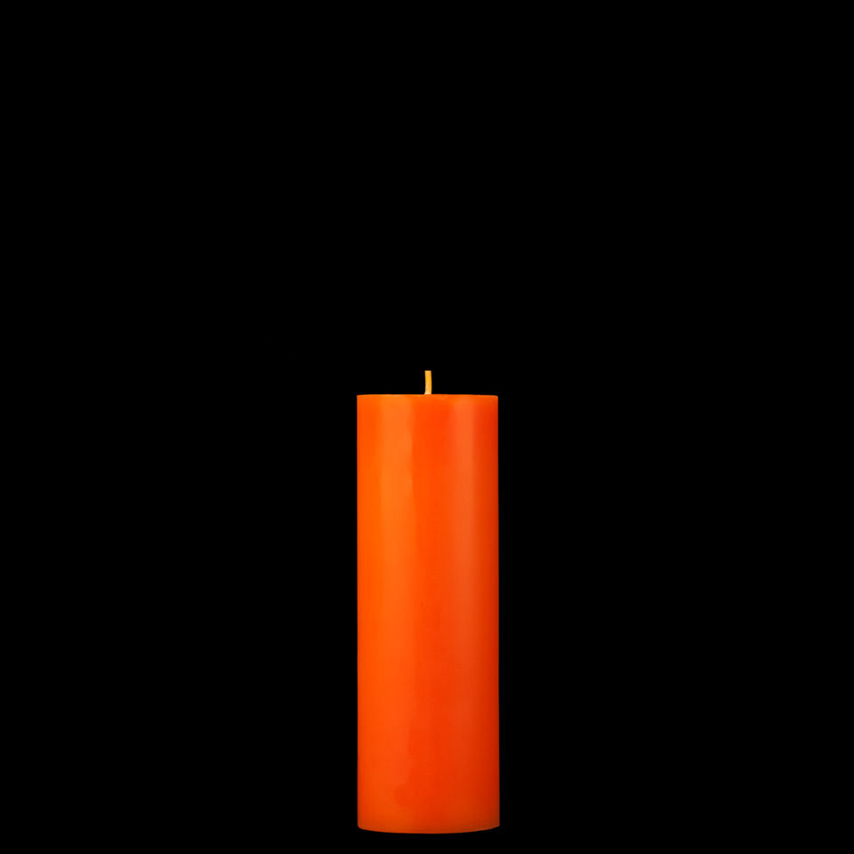 orange as a candle Typical, store bought holiday candles can be dull when compared to homemade  candles and one truly unique option is to fashion a candle from an orange.