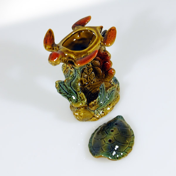 Reptile Turtle On Seaweed Ceramic Oil Burner For Light And